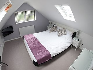 B & B suite near Heathrow & London Private entrance, West Drayton