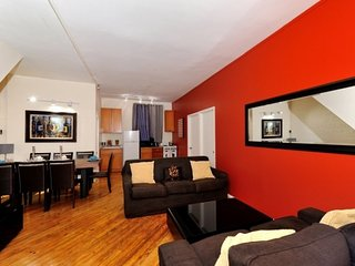 Comfy 3 Bed 1 Bath for 7 by the Flatiron Building in Gramercy / Kips Bay., New York City