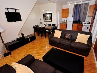 Comfy 3 Bed 1 Bath for 7 by the Flatiron Building in Gramercy / Kips Bay.