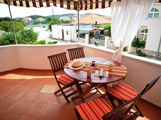Apartments Valentina - One Bedroom Apartment with Terrace and Partial Sea View, Betina