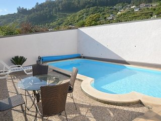 Villa Sunshine - Fantastic views, internet and heated pool