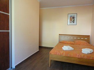 One bedroom apartment close to the beach, Rafailovici No.4