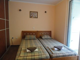 One bedroom apartment close to the beach - sea view / No.5, Rafailovici