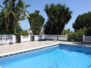 Beach Side private Relax Bungalow with priv.garden and comunal pool, Elviria
