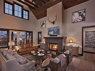 Blackstone Lodge - New! 4BR Private Mountain Luxury Home, Steamboat Springs