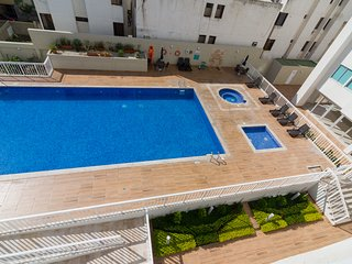 Apartamento con balcon y vista al mar 906R