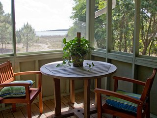 Oceanfront Historic Cottage, Seabrook Island