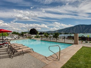 NEW! Bright 3BR Manson Condo w/Lake Chelan Views