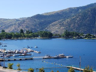 NEW! 3BR Manson Townhome w/ Spectacular Lake Views