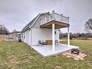 NEW! Tranquil 1BR Berger Bunkhouse on a Farm!