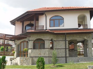 "Maple Villa at ""Vineyards Resort"