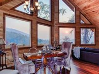 Pine Cone Peaks- LUXURY MOUNTAIN TOP RENTAL