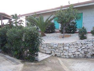 Appartamento piano terra  in villa vicino al mare