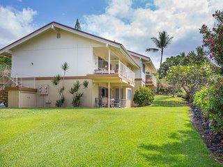 NEW! Lovely 2BR Kailua-Kona Condo on Golf Course!