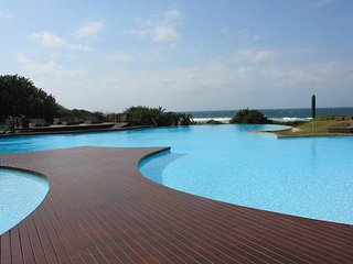 Zimbali Suite 114, Luxurious self catering unit by the beach, Ballito