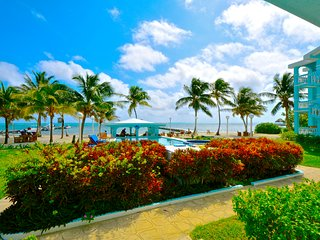 SUNSET BEACH CONDOS - A3 Gorgeous OCEANFRONT 1- bedroom  near grocery & eateries, Ambergris Caye
