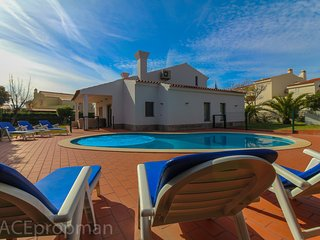 Luxury 4 Bed Villa Vale do Lobo