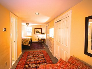 Blue Door Farm Cottage  - SKI!  Bromley 4mi., Magic 5mI., Stratton 12mi, Okemo..