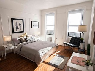 3 Bedroom 2 Bath Duplex near Times Square