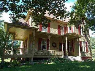 Historic Mayville Home, Bethel