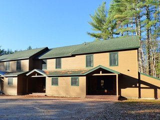 The Pines Vacation Condo: Unit 4, Newry