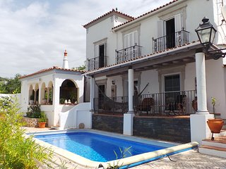 Charming traditional Villa with swimming pool and stunning panorama sea views, Santa Barbara de Nexe