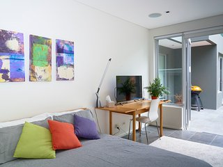 Bondi Views Spectacular Secluded Enchanting Hideaway for Two in Gorgeous Bondi.
