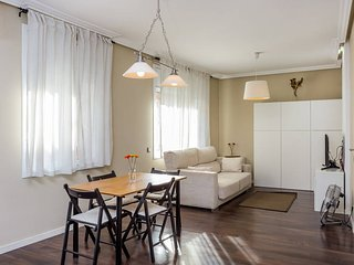 Cosy, light apartment between BCN and the airport