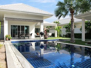 Villas for rent in Hua Hin: V6302