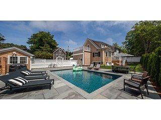 CARAT - Spectacular, Edgartown Village Luxury Home, Heated Pool, Pool House