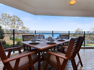 Oceanview Apartment at Cartwright, Buddina