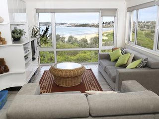 Sydney Beach House Near Manly 2 bedroom apartment with a view