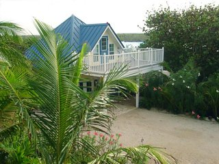 Cayman Cottage by the Sea