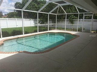BEAUTIFUL 3BR 2BA, HEATED POOL, PET FRIENDLY, VERY PRIVATE