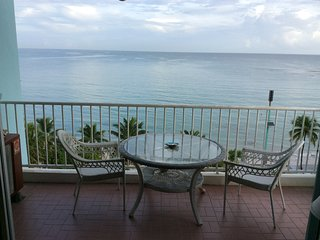 OCEANFRONT Beach Front condo - Breathtaking Views, Isla Verde