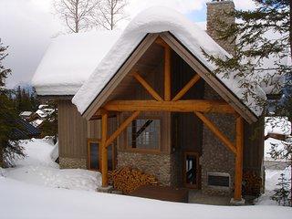 Luxury Mountain Lodge at Kicking Horse Resort