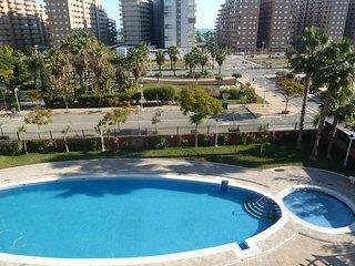 Apartamento con 3 habitaciones, 2 linea a 350 metros de la playa junto Mercadona
