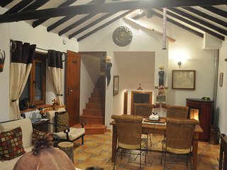 Pacific at Quinta do Bom Vento cottage w 2 qn beds