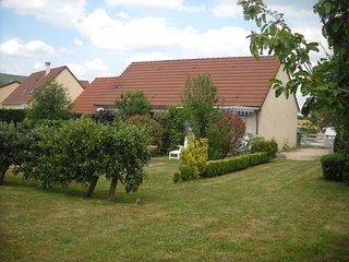 Maison a louer en bourgogne du sud. Gastronomie et histoire ou repos et ballades