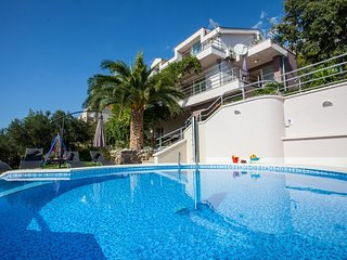 VILLA WITH POOL, MAKARSKA, Makarska