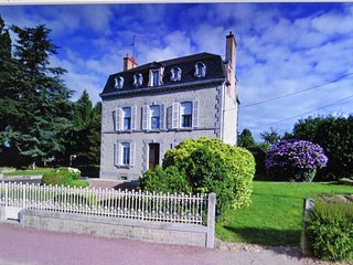 La Datiniere charming elegant house in a perfect position for exploring Normandy, Saint-Hilaire-du-Harcouet