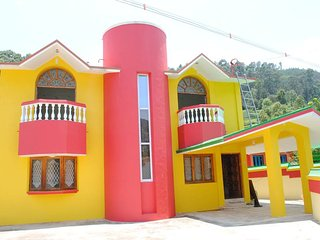 6 Bedrooms Bungalow  between Ooty-Conoor