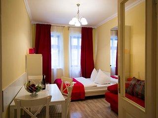 RED modern studio by Ruterra, Praga