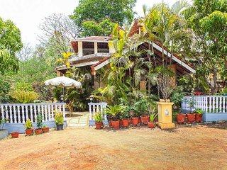 Luxury stay in Nagaon hill side Alibaug
