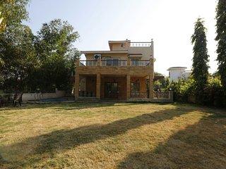 Classic Premium Villa In Lonavala!!