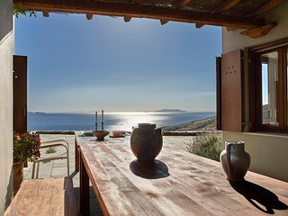 Tinos Sky House- A PANORAMIC VIEW OF AEGEAN