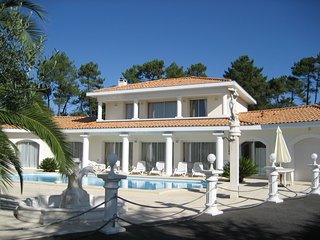 Mansion - 2 km from the beach, Tarnos