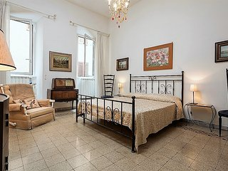 CAMPO DE' FIORI APARTMENT . UP TO 5