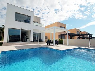 LF6 Ultra modern 3 bedroom villa, Algorfa