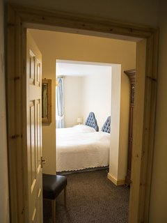Ivy Downstairs Twin/Double Room with ensuite shower room